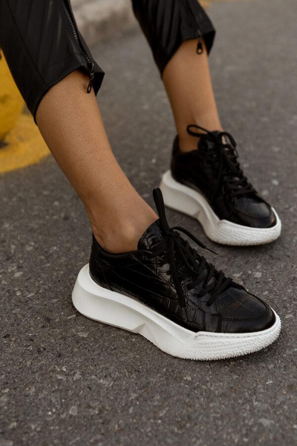 G31 Black Croco Sneakers
