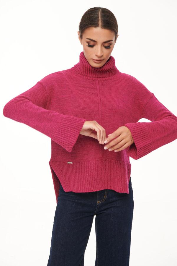 Turtleneck Sidecut Sweater – Magenta – Black