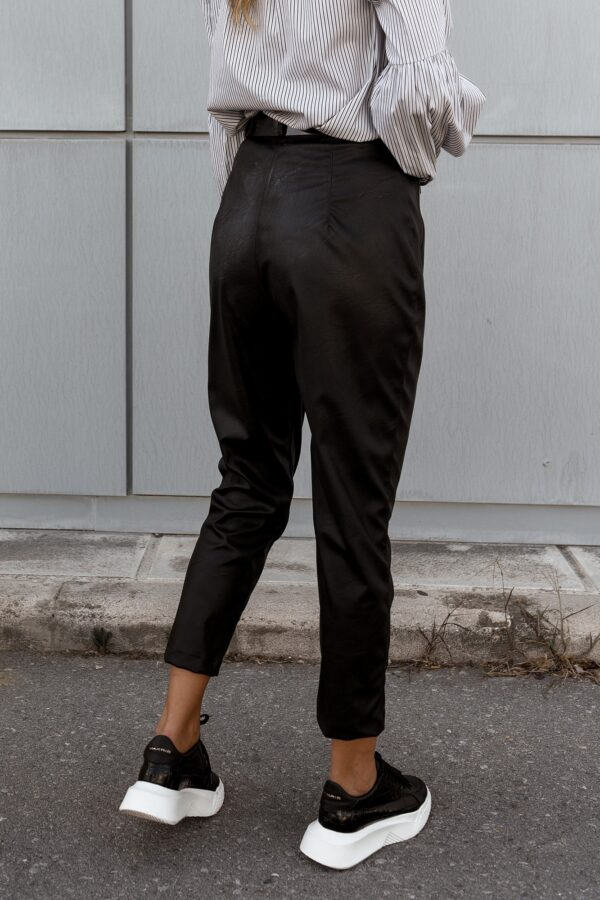 Highwaist Carrot Leather Pants