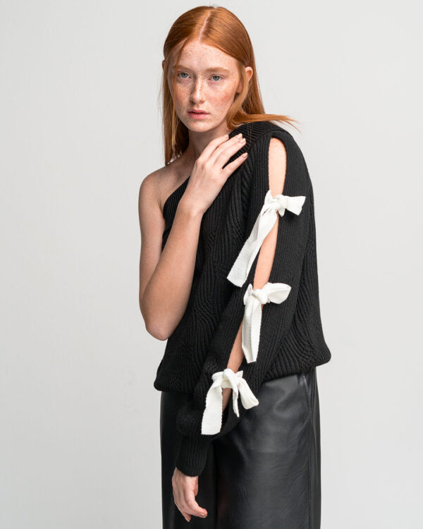 One Shoulder Bow Sweater – Black