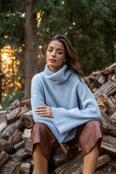 Loose Sweater – White – Black – Baby Blue