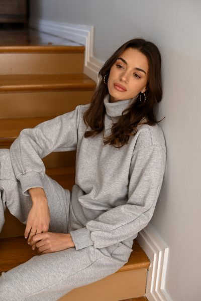 CARLA grey turtleneck sweatshirt